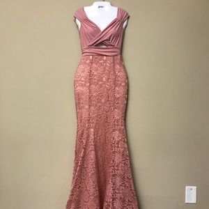Dresses & Skirts - NWT mermaid lace formal dress size Large